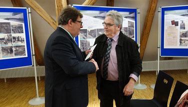 Der Schömberger Bürgermeister Karl Josef Sprenger mit Immo Opfermann (Foto: Stadt Schömberg)