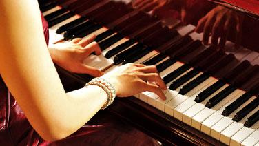 高齢者レクリエーション、アクティビティ代行:演奏・歌