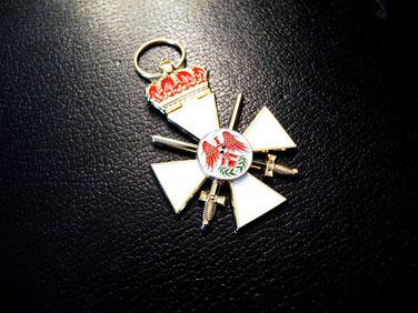 Roter Adlerorden III. Klasse mit Krone und Schwertern