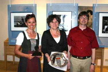Obfrau Irene Hauer-Karl,  Katarina Ek-Nilsson und Friedrich Buchmayr nach der Eröffnung
