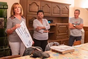 de gauche à droite : Christine VERRIER, présidente d'ERVM, Bernadette LAMMERT de l'ass. ARVM, et Christophe RAUSCHER, président de la Fête de la moisson