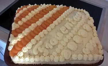 Den selbst gebackenen Kuchen verspeiste man am Nachmittag zusammen mit den Angehörigen.