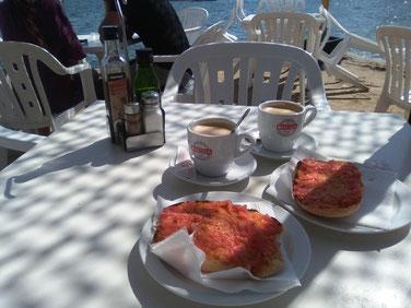 Frühstück in der Bar Flotante in Talamanca