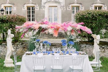 Table d'honneur fleurie des mariés au Château Belle Epoque