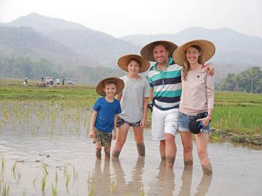 Die Strandfamilie - hier noch in Laos und bald...?