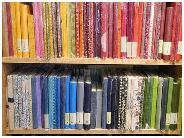 Bücher mit handgeschöpftem Einband