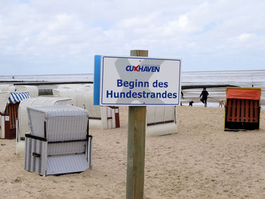 Hinweisschild am Hundestrand in Sahlenburg
