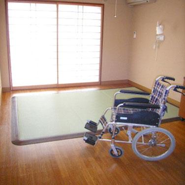 車いすで乗っても走っても大丈夫な畳ベッド