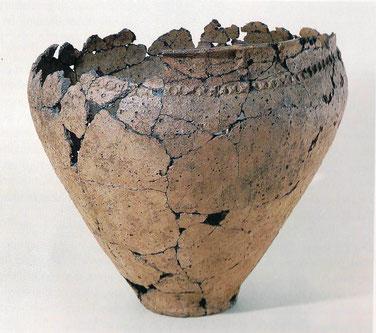 Rekonstruiertes bronzezeitliches Vorratsgefäß