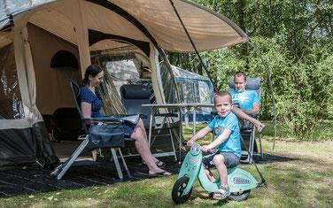 Camping Sites & Paysages Les Saules à Cheverny - Loire Valley - Des Emplacements Spacieux
