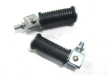 Juego de estriberas redondas de metrica 10 x 125 con 26 mm totales de longitud de vastago.