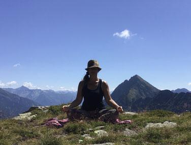 Meditation und Pranayama in den Bergen