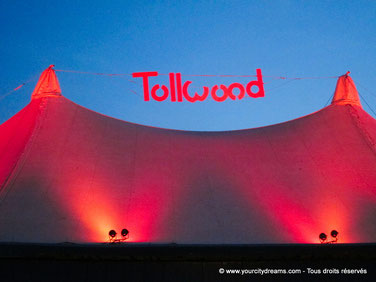 Le festival de Tollwood offre des concerts. C´est l´un des festivals les plus connus de Bavière.