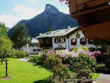 La ville d'Oberammergau est typiquement bavaroise avec ses maisons peintes.