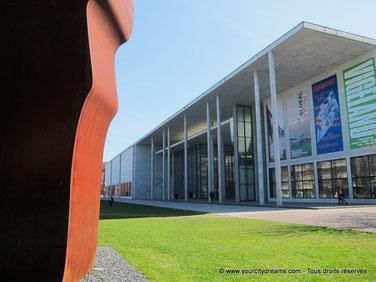 Le musée Pinakothek der Moderne de Munich est l´un des plus grands musique d´art moderne et de design d´Allemagne.