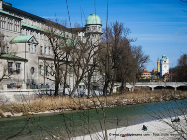 Voyage - Le Deutsches Museum de Munich est le plus grand musée des sciences et techniques du monde.