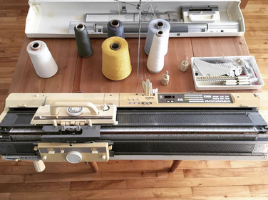 Ommaille, Etsy Québec, machine à tricoter
