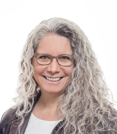 Claudia Gorbach, Medialcoach, Dozentin, Clearing- und Rückführungstherapeutin bei Akademie Gorbach
