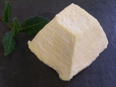 pyramide de chèvre affinée, fromageriedupurdeau.fr