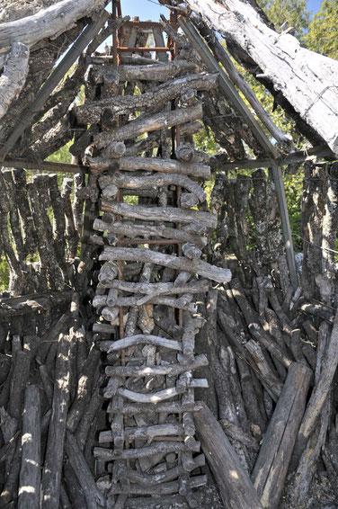 cheminée où le feu était introduit par le haut