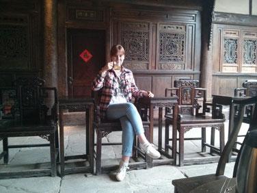 In einem Teehaus in Langzhong - ich Chinesin :P