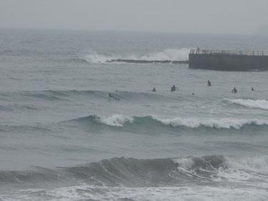 この頃は風も無くいい波来てました。