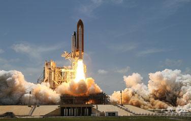 Start einer Rakete als Beispiel für Beschleunigung