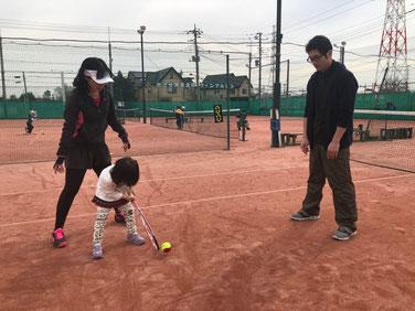お遊びテニスで子どもの運動能力の向上をはかります