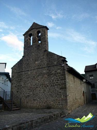 Museo del traje Ansotano, antigua ermita de Santa Bárbara.
