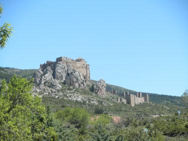 Del Castillo de Loare a la Virgen de la Peña en Aniés