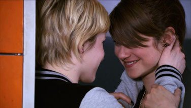 Emma tells Jenny that she can't stand keeping their relationship a secret any longer.