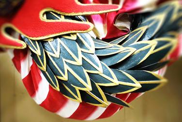 8000枚もある龍のウロコはすべて関係者たちの手づくり。今回は新調した龍で迫力ある舞いを奉納します。