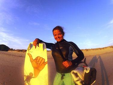 Sabrinita - Surfgasm - WEllenreiten - Surfen - Kitesurfen - Windsurfen - hangloose - Lifetravellerz