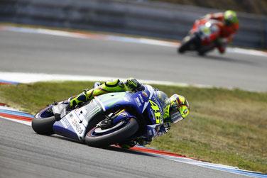 Die volle Schräglage reicht diesmal zu Rang drei. Valentino Rossi