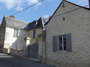 vouvray-vineyard-tours-Loire-Valley-housing-holidays-B&B-traditional-house-dug-in-the-rock