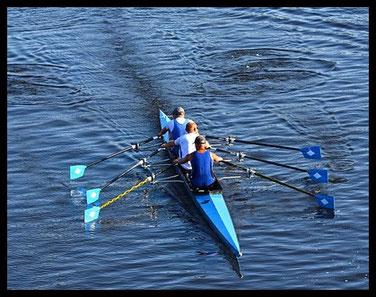 Drei in einem Boot