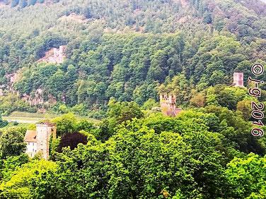 """Vorderburg-Mittelburg-Hinterburg-Burg Schadeck(""""Schwalbennest"""")"""