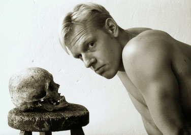 Regisseur Jörg Buttgereit – mit dem Todesking auf Du und Du