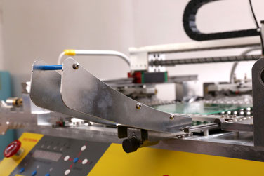 VP-2000S Bestückungsmaschine mit Vibrationsfeeder