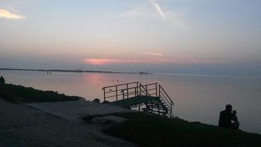 Sonnenuntergang am Strand von Balatonfenyves