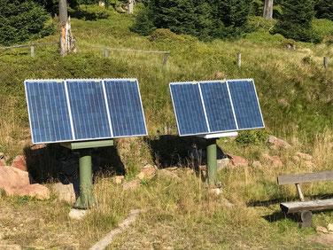 Perfekter Solarstrom zur Versorgung von Weichen bei der Bahn. Solarmodule und Solarzellen für Solaranlagen zur Weichensteuerung bei Bahntechnik, Signaltechnik, Lichtanlagen und Industrieanlagen. Outdoor Solarmodule für die Stromversorgung.