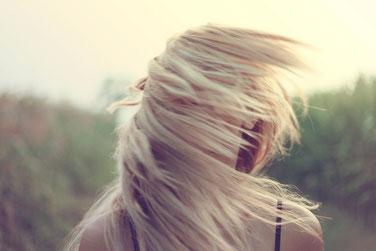 blonde Haare jugendweihe geschenk teenager geburtstag