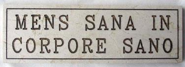 Formule célèbre du poète satyrique latin Juvénal (entre 45 et 65-128)