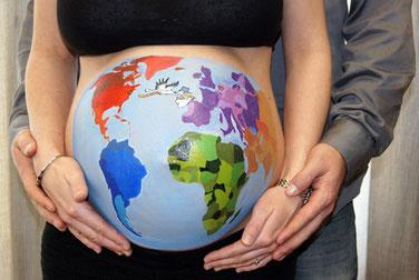 Die beiden Hebammen Manuela Minge und Katja Tietsche bieten Geburtsvorbereitungskurse für werdende Mütter und Väter an. Diese finden jeweils im Hebammenstübchen in Oranienburg statt.