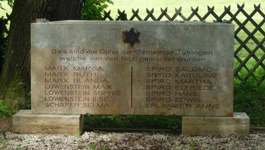 Mahnmal auf dem Friedhof, Bild: Sarah Huber.