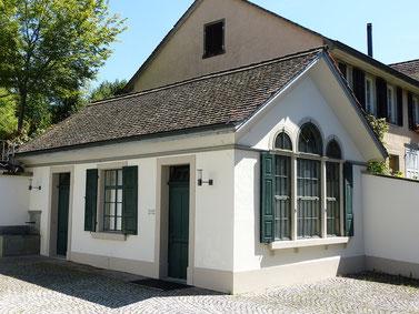 """Hermann-Freudiger-Pavillon (""""Wöschhüsli"""") von 1839, heutiges Trauzimmer des Bezirkszivilstandsamts. Ehemaliges Waschhaus des Haffterhauses"""
