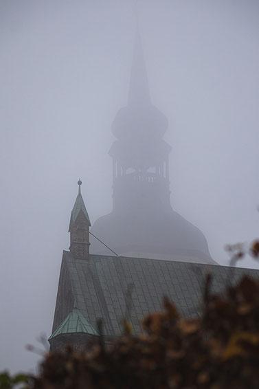 sankt st marien hansestadt stralsund nebel herbst november mecklenburg vopommern heimatlicht fotografie geschichte heimat ostsee urlaub ausflug moody