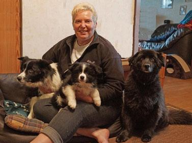 Dobby mit seiner neuen Familie Gaby , Bijou und Paul