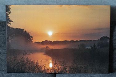 Leinwandbild 90 x 60 cm - Sonnenaufgang an der Trave in Klein Wesenberg