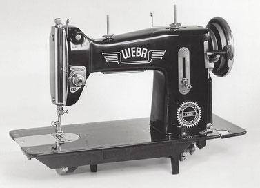 WEBA 490, Flachbett-Geradestich-Haushaltsnähmaschine, Fußantrieb, Motornachrüstung mögl., WEBA-Werke KG, Ober-Ramstadt (Bilder: Nähmaschinenverzeichnis)
